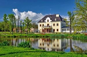 Pałac_na_Wodzie_w_Staniszowie